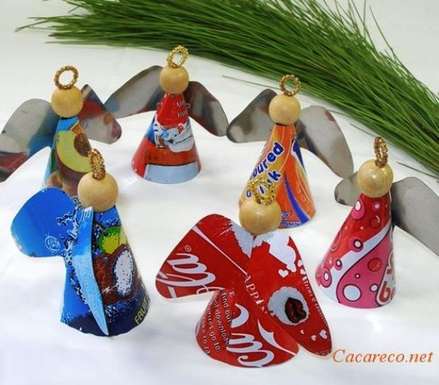 decoracao arvore de natal reciclavel:Angels Made From Recycled Cans