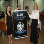 Marinês Gaia (Cerimonial Monumental Eventos) e Alda A. Barbosa apresentando o banner da ALUR - Cópia